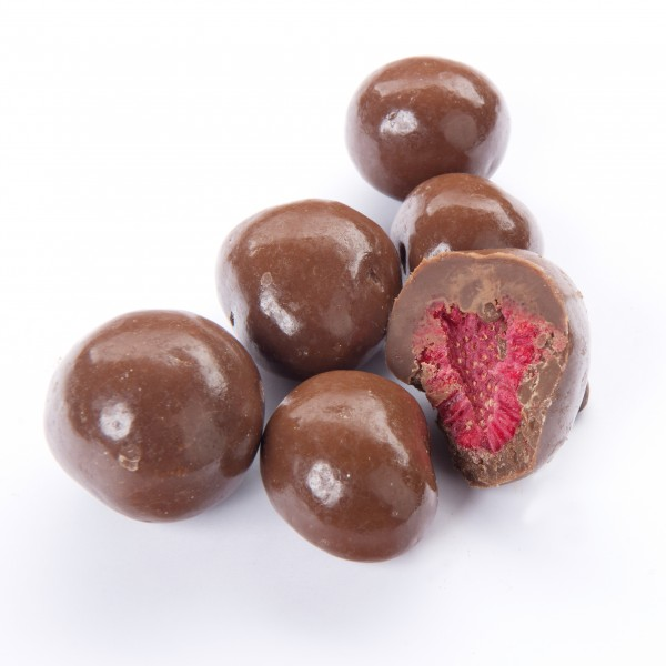 Himbeeren gefriergetrocknet ummantelt mit feiner Vollmilchschokolade